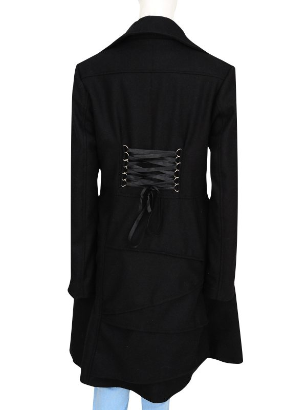 stylish black long coat, trending black trench coat,