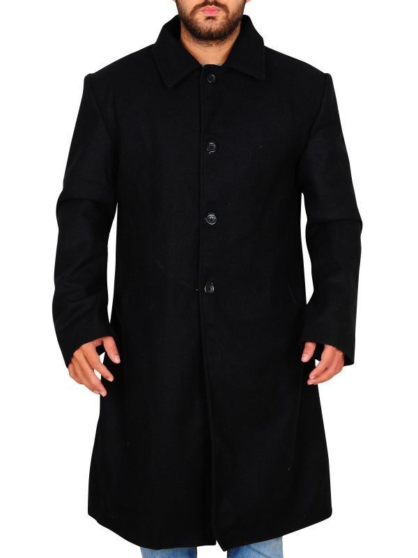 men black shirt collar coat