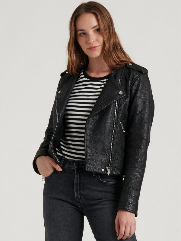 trending women textured jacket